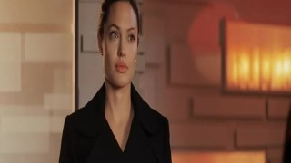 Angelina Jolie – Mr And Mrs Smith
